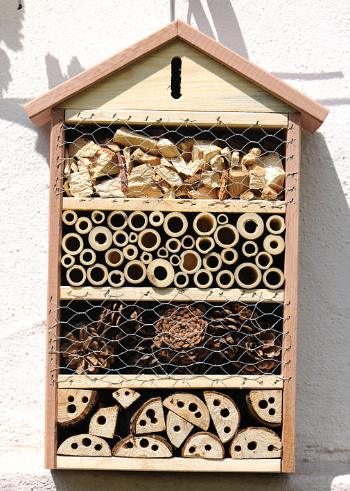 wildbienen hotel natur design foto kunst art besonderes geschenk garten haus villa insektenhotel. Black Bedroom Furniture Sets. Home Design Ideas